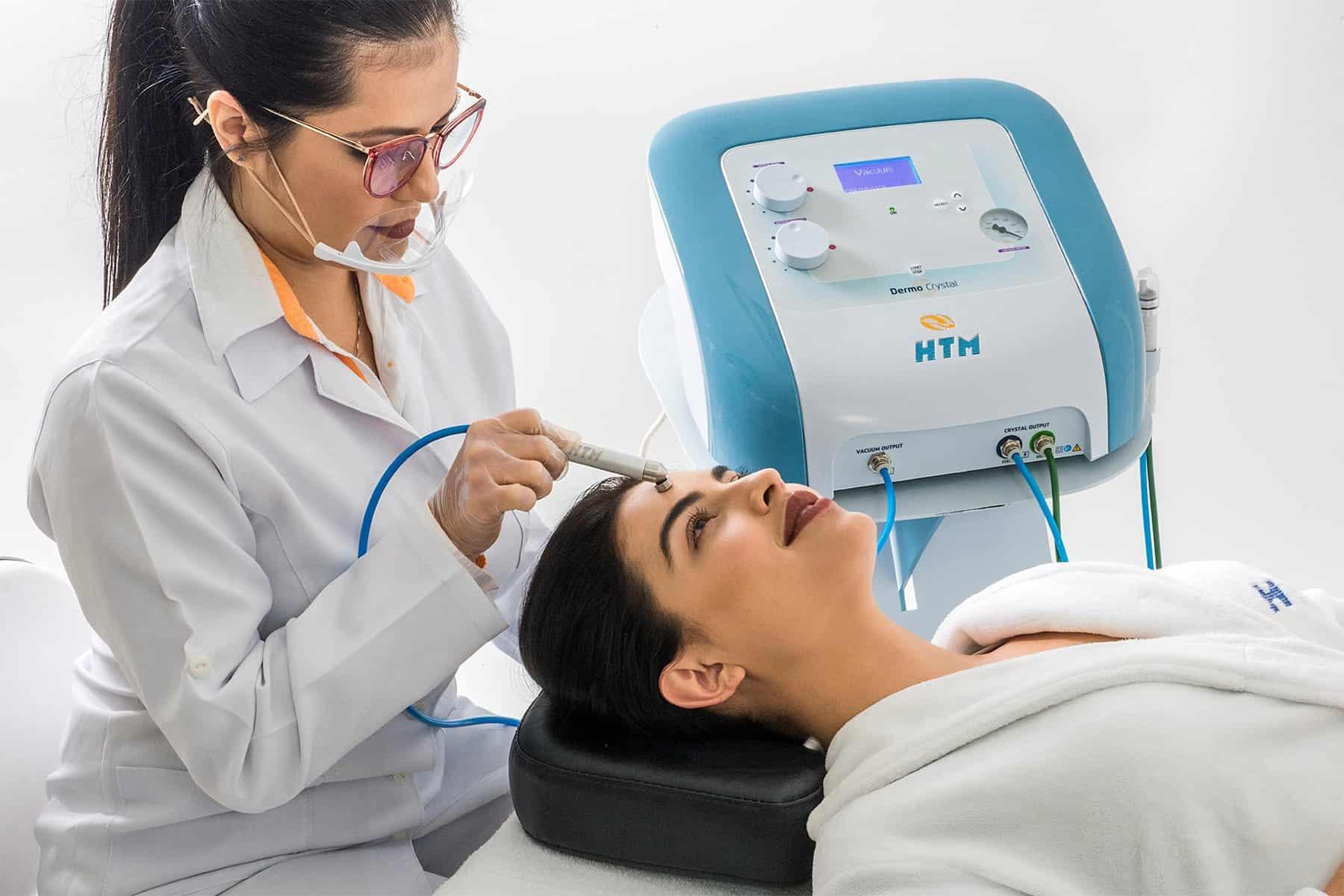 Aplicação Peeling Dermo Crystal da HTM